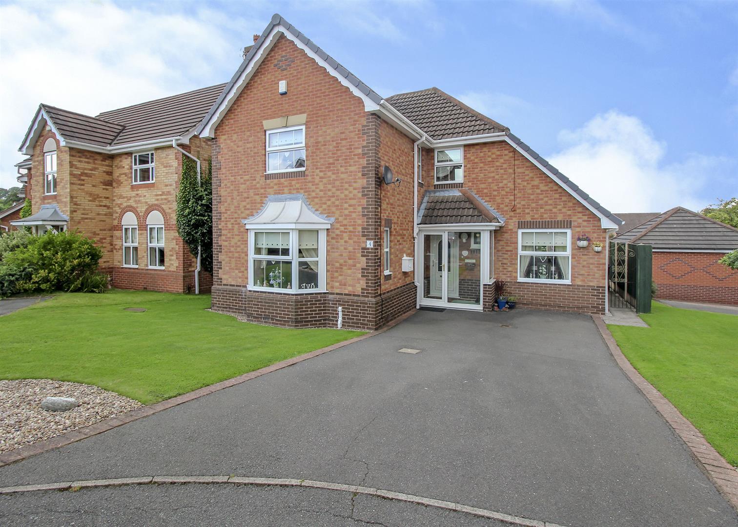 4 Bedrooms House for sale in Walker Grove, Stapleford, Nottingham